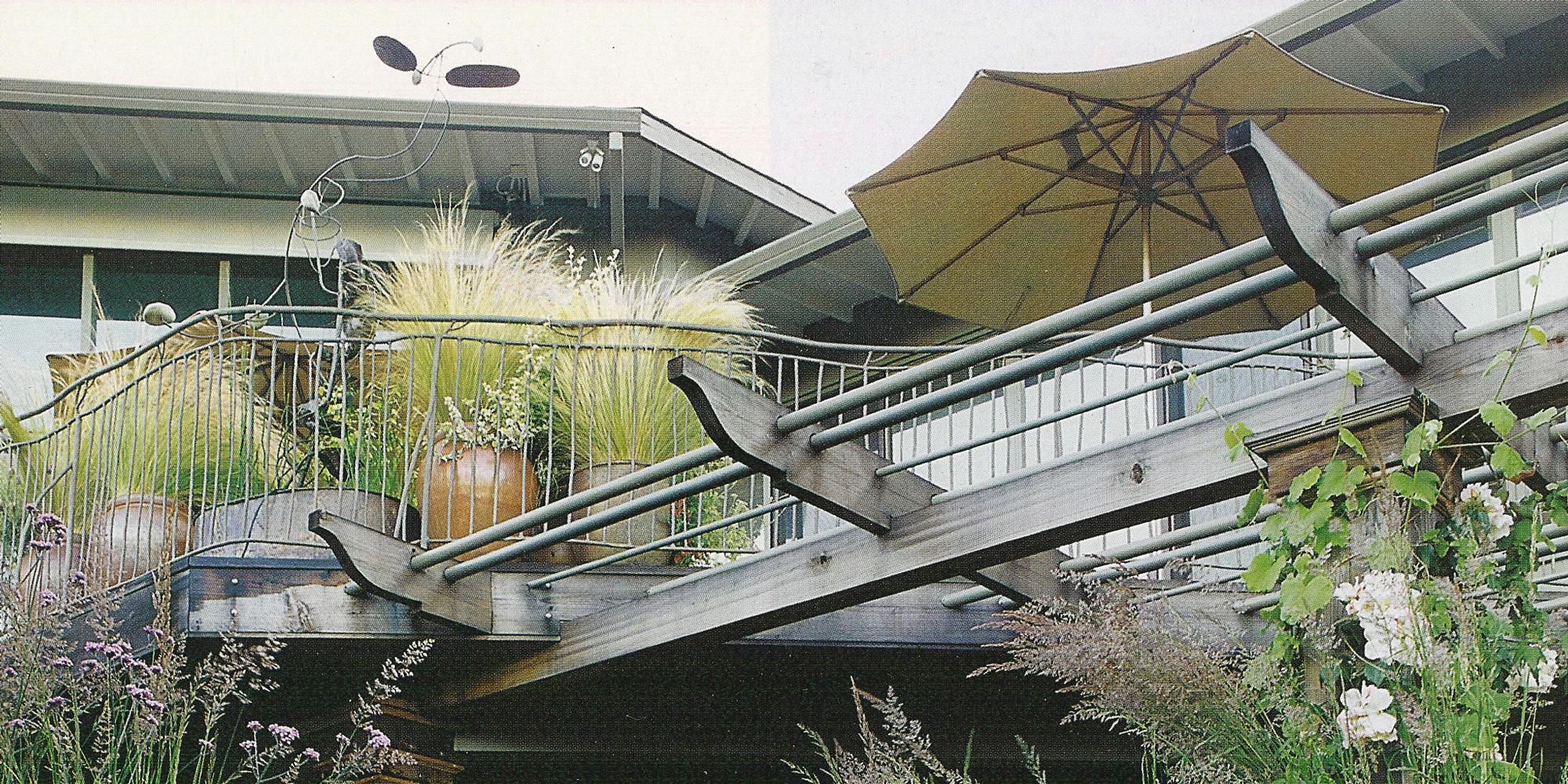 Landscaped deck