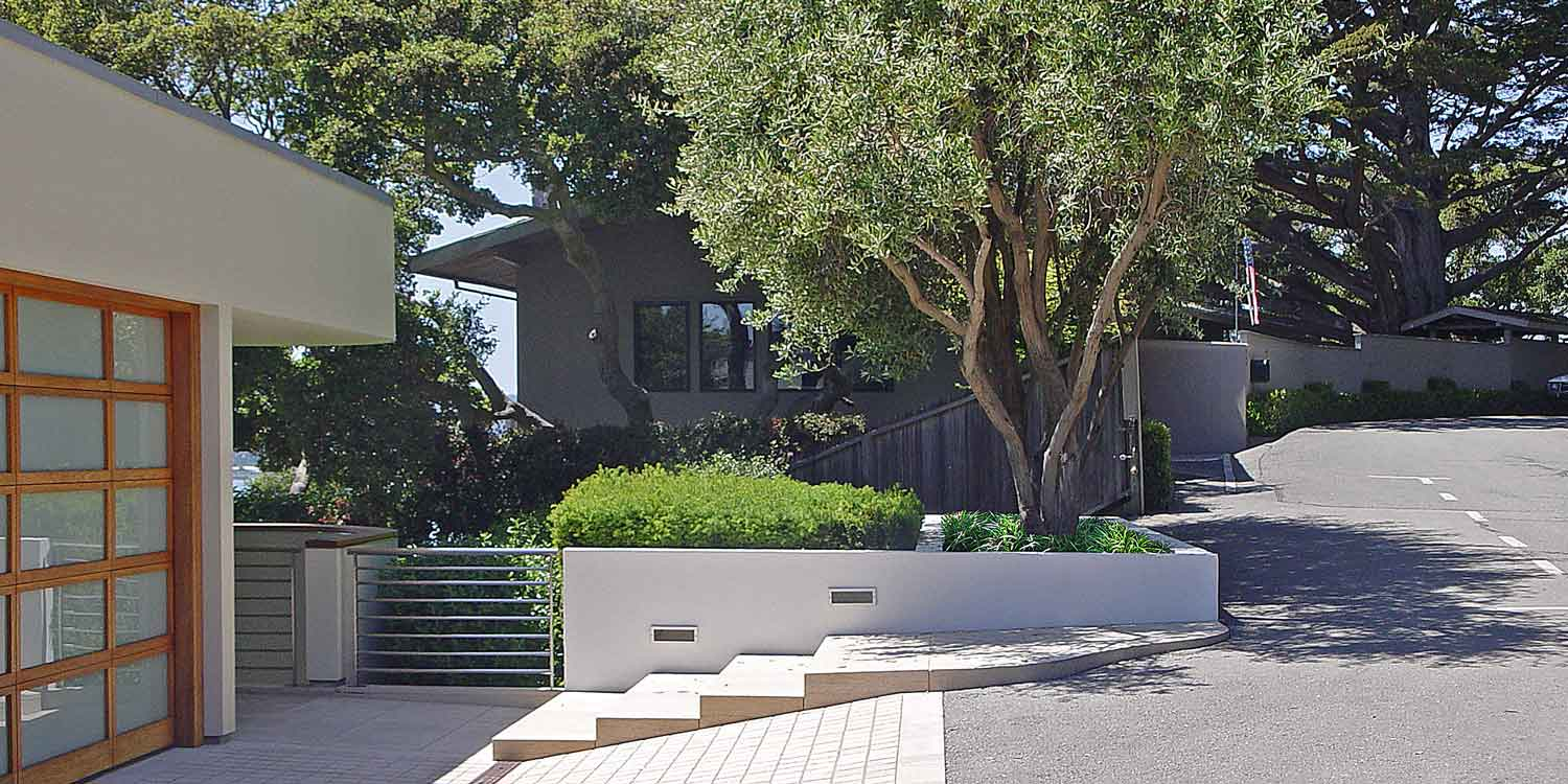 Driveway-Planter-with-Olive-Trees